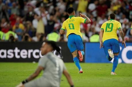 Jesus fez segundo gol, mas foi expulso no 2º tempo