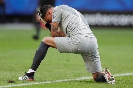 Gallese lamenta gol brasileiro