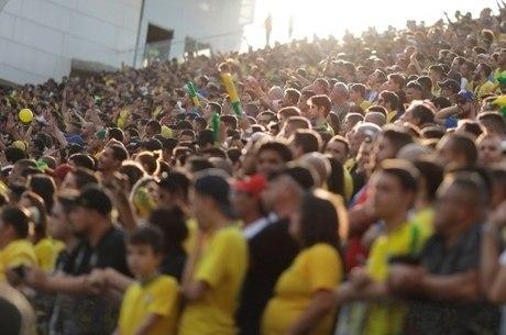Torcida apoia Brasil pela primeira vez