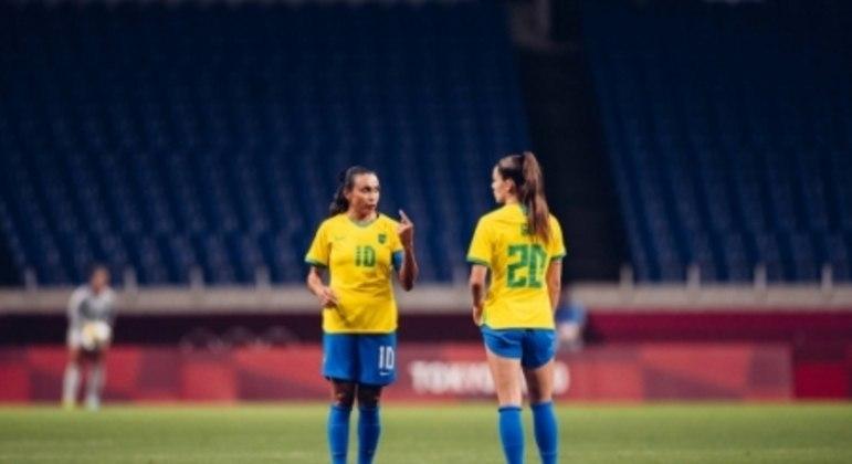 Brasil x Zâmbia - Jogos Olímpicos - Giovana Queiroz e Marta