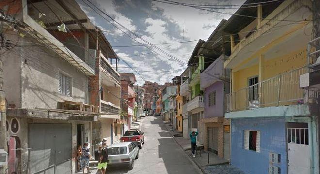 Jovem é morta com golpes de faca por ex-namorado na Brasilândia