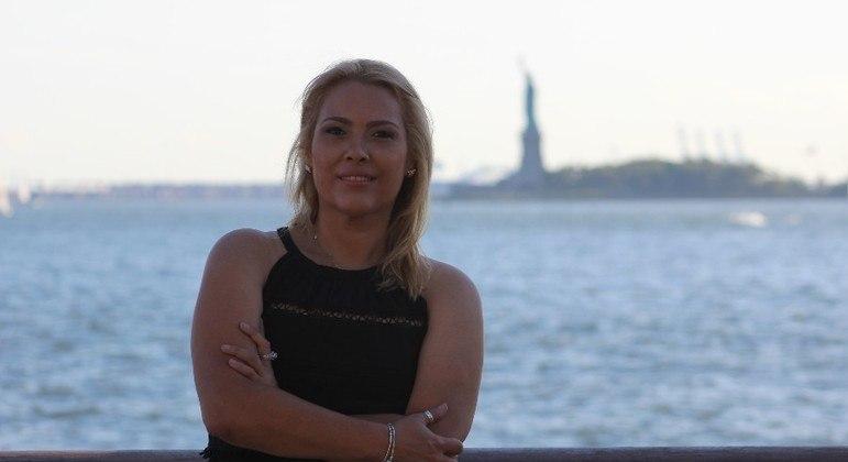 Adriana Maluendas escreveu um livro contando tudo o que vivem em 11 de setembro de 2001