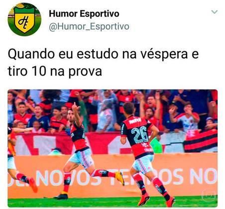 Brasileirão 2017: o Corinthians já era o campeão brasileiro, mas sofreu um derrota por 3 a 0 para o Flamengo no Estádio Luso Brasileiro. O jogo ficou marcado pela