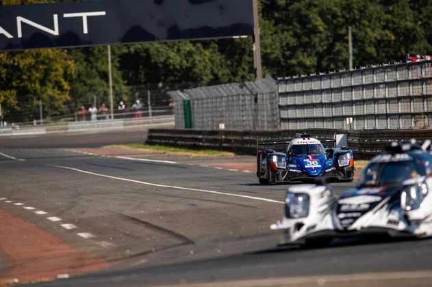 Brasileiro dividiu o carro com os franceses Thomas Laurent e Pierre Ragues