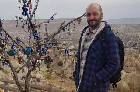 Eduardo Santaela vive há 7 anos na Turquia