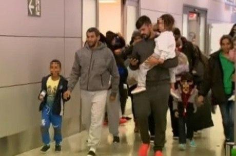 Cerca de 30 crianças estavam no voo