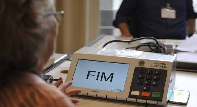 Brasileiros que não votaram no primeiro turno têm até esta quinta-feira para justificar a ausência à Justiça Eleitoral Crédito: Alina Souza