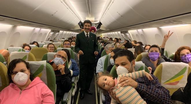 Governo tem fretado aeronaves para trazer os brasileiros de volta