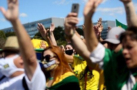 Manifestantes estão reunidos em Brasília