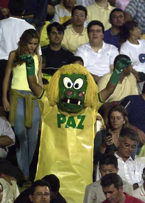 Torcida do Brasiliense na final da Copa do Brasil 2002, contra o Corinthians