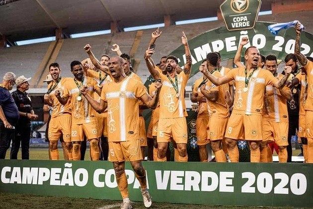 Brasiliense (campeão da Copa Verde)