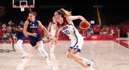 Breanna Stewart é destaque da equipe americana