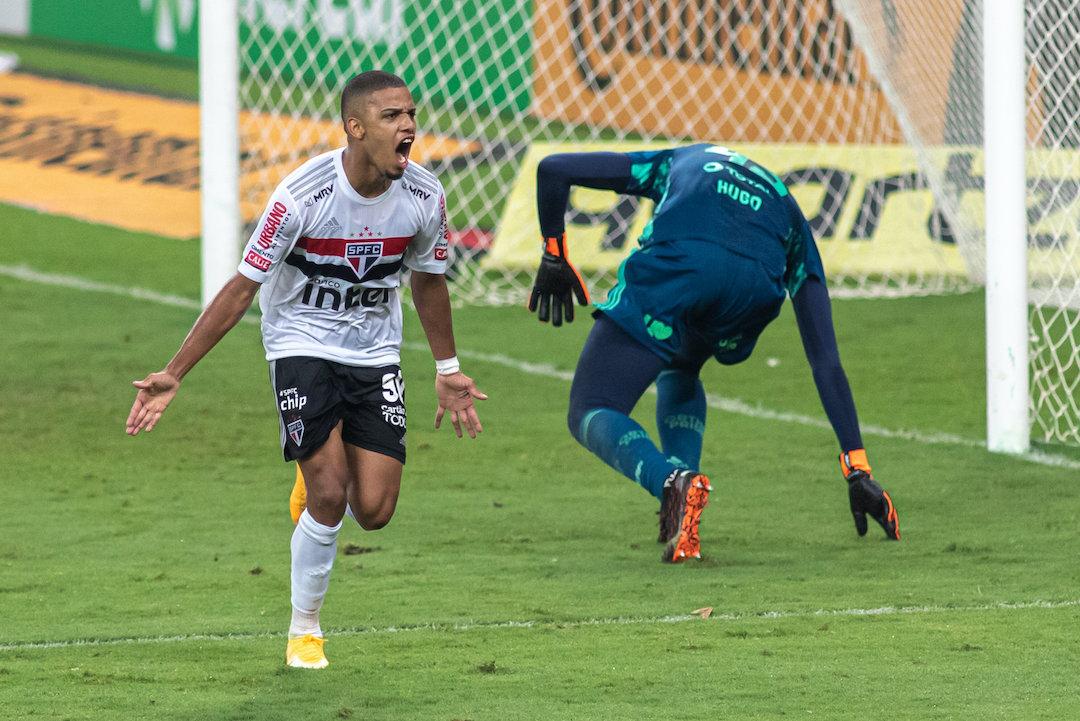 Brenner castigou a infantilidade de Hugo. São Paulo tem vantagem preciosa
