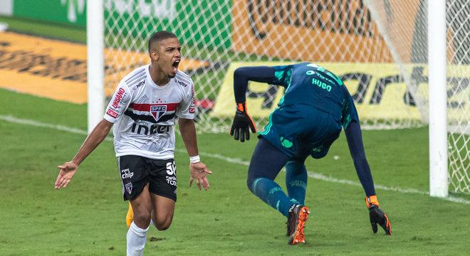 São Paulo venceu Flamengo no Maracanã e tem vantagem do empate no Morumbi