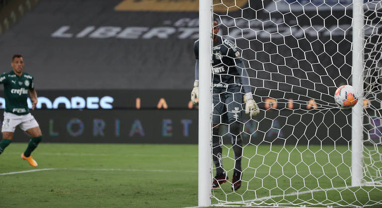 Breno Lopes. Autor do gol que deu a Libertadores não pôde ser inscrito no Mundial