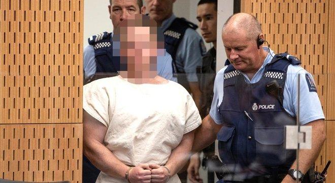 Brenton Tarrant, 28, foi levado a um tribunal após ser acusado pelos ataques a mesquitas na Nova Zelândia