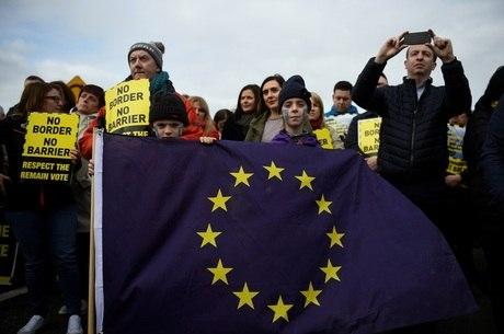 Manifestantes não querem controle aduaneiro na região