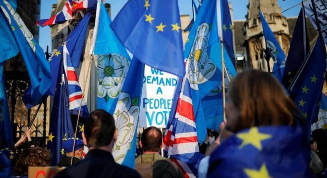 Até agora, o Parlamento Britânico rejeitou 4 propostas para o Brexit