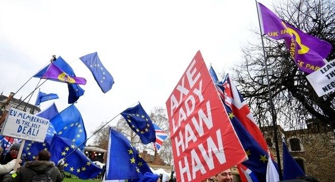 Brexit: data limite se aproxima ainda sem acordo para saída da UE