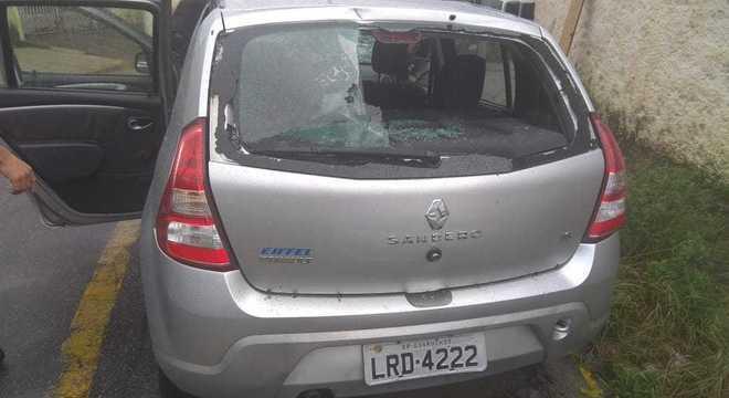 Torcedores depredaram carros e casas durante a confusão