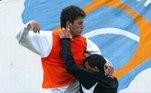 O zagueiro Marquinhos e o atacante argentino Tevez trocaram socos durante treino do Corinthians em 2005. O técnico Daniel Passarella encerrou o treino imediatamente. Marquinhos ficou ainda mais revoltado porque havia fraturado o nariz e estava em processo de recuperação.