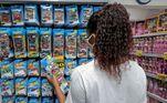 SP - SÃO PAULO, COMÉRCIO DIA DAS CRIANÇAS - GERAL - SÃO PAULO, COMÉRCIO DIA DAS CRIANÇAS - Consumidores compram brinquedos para o Dia das Crianças na região da rua 25 de Março na tarde desta quarta-feira 07. 07/10/2020 - Foto: SUAMY BEYDOUN/AGIF - AGÊNCIA DE FOTOGRAFIA/AGIF - AGÊNCIA DE FOTOGRAFIA/ESTADÃO CONTEÚDO