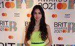 Olivia Rodrigo escolheu um modelito verde-limão da Christian Dior para a ocasião