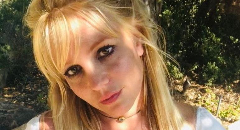 Advogado de Britney Spears age rapidamente para afastar o pai dela
