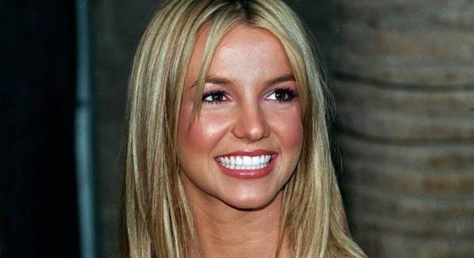 Britney Spears tem vida controlada