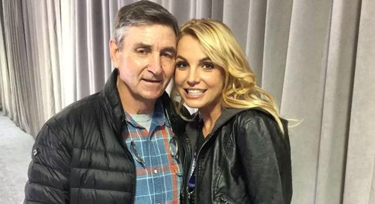 Britney ao lado do pai, Jamie Spears