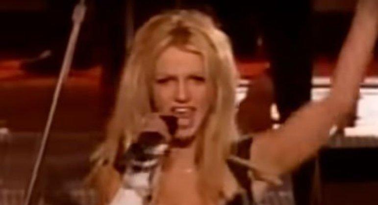 Britney Spears - Super Bowl XXXV (2001)