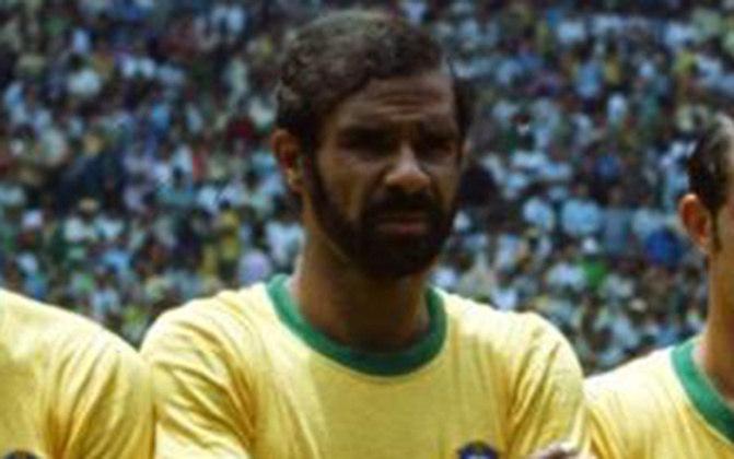 BRITO - O ex-zagueiro vive atualmente na Ilha do Governador, no Rio de Janeiro. Aos 80 anos, o ex-zagueiro aproveita sua aposentadoria.