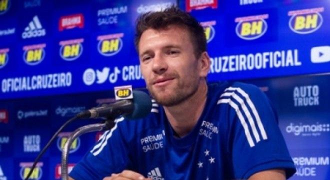 Brock fica no Cruzeiro até maio de 2022, término do Campeonato Mineiro