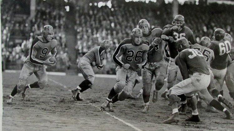 Brooklyn Tigers (1944). Perdeu os dez jogos que fez na temporada, suspendeu atividades e nunca mais retornou.