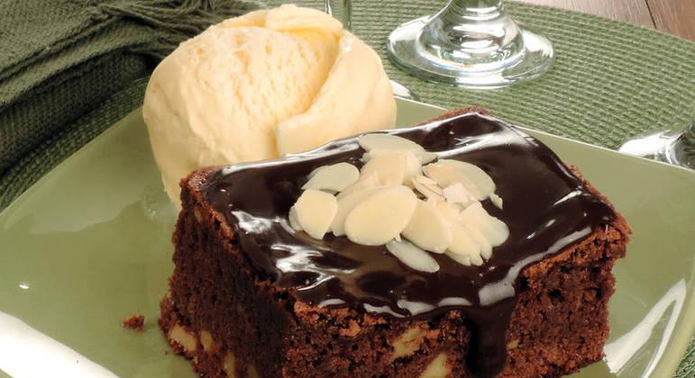 Brownie de travessa com cobertura