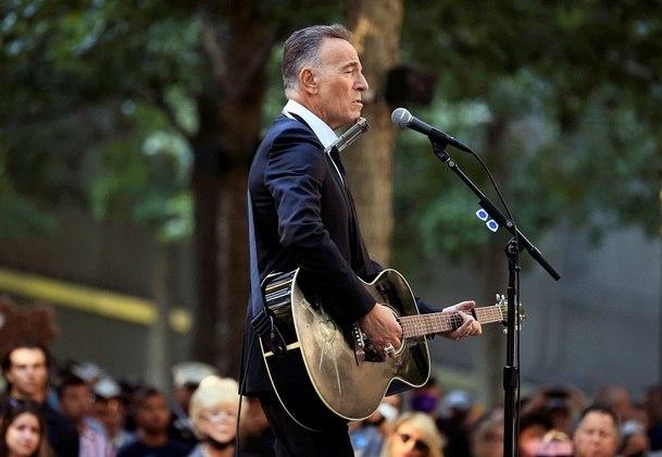 Bruce Springsteen canta em cerimônia dos 20 anos do atentado de 11 de setembro em NY