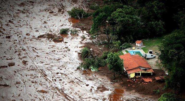 Verba deve ser usada para reparação dos danos causados pelo rompimento da barragem