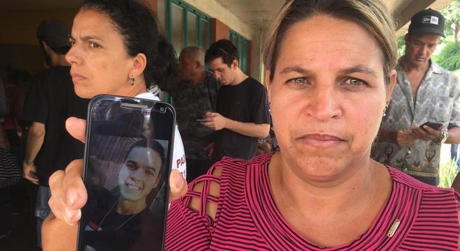'Está havendo descaso', diz mãe em busca de filho desaparecido