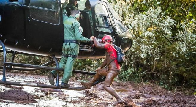 Resgate ainda procura 305 desaparecidos após tragédia em Brumadinho