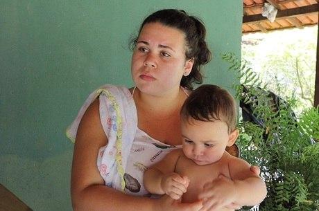 Com bebê, Kelly viveu roteiro parecido ao de Adriene