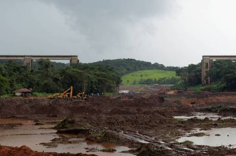 Onze vítimas da barragem seguem desaparecidas