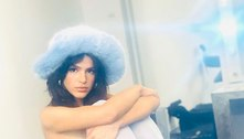 Bruna Marquezine faz topless em bastidor de ensaio