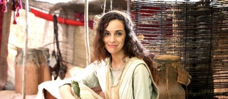 Bruna Pazinato interpreta Lia na nova série especial da RECORD TV