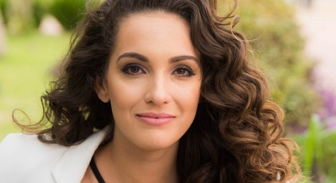 Bruna Pazinato faz sucesso na série especial Lia