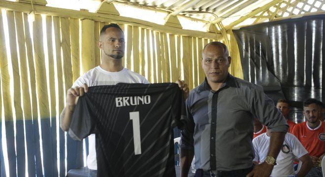 Mal foi anunciada a contratação de Bruno e o Rio Branco perdeu o único patrocínador