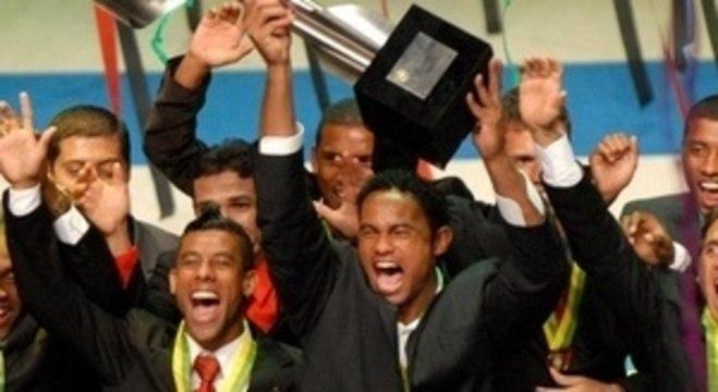 Bruno campeão brasileiro de 2009. Seleção, Milan... Jogou tudo fora