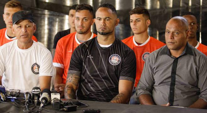 Prefeitura e população de Poços de Caldas rejeitaram a volta de Bruno ao futebol