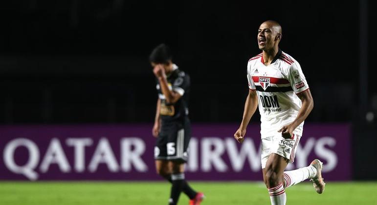 Bruno Alves fez o gol 300 do São Paulo na história da Libertadores