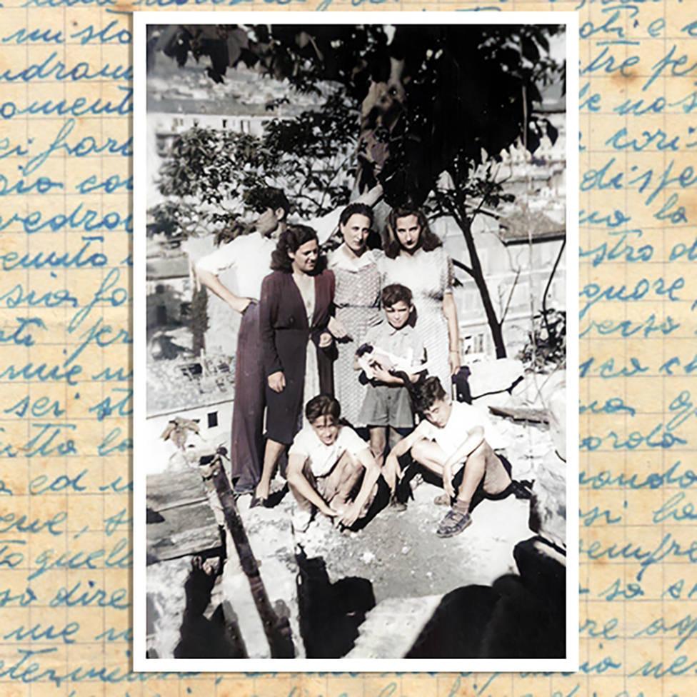 Bruno, o carpinteiro, com sua mulher, Tina (à esquerda) e Anna (centro) — Vittorino, filho de Bruno e Tina, está segurando um gato