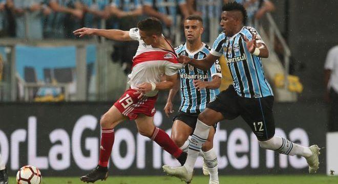 Grêmio chegou a estar vencendo River Plate, mas se perdeu nos minutos finais